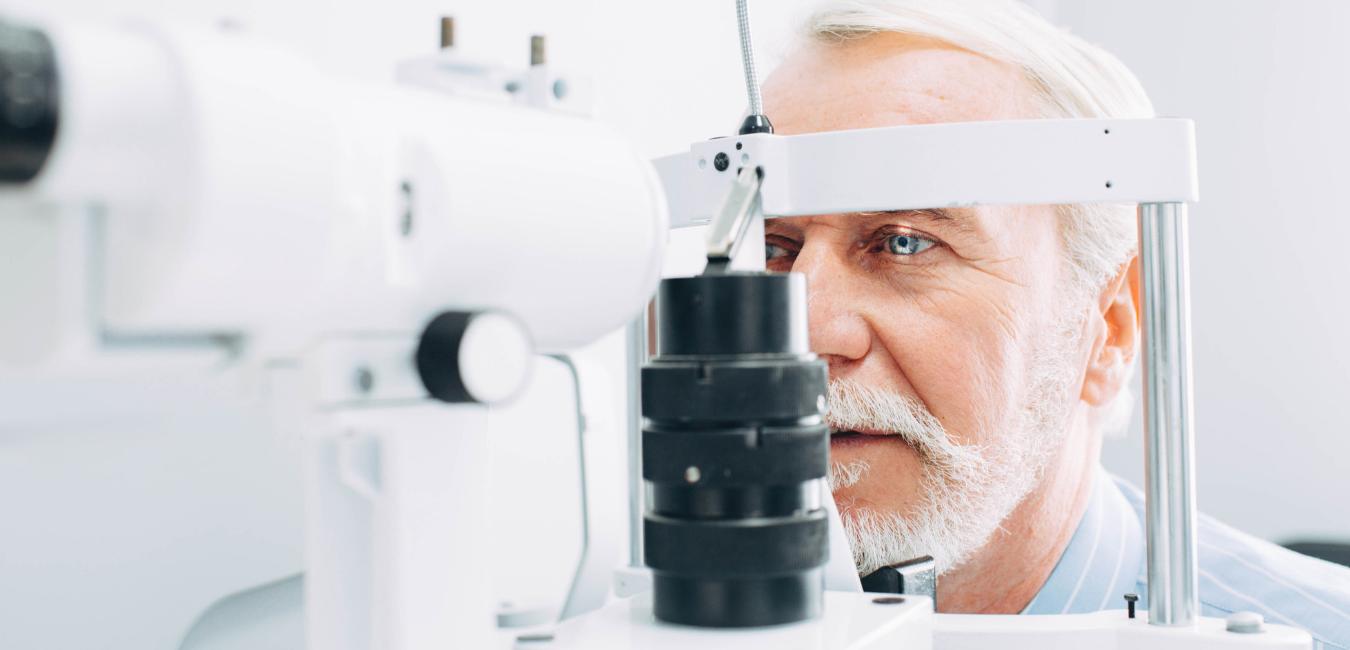 L'âge oculaire chez une personne agée